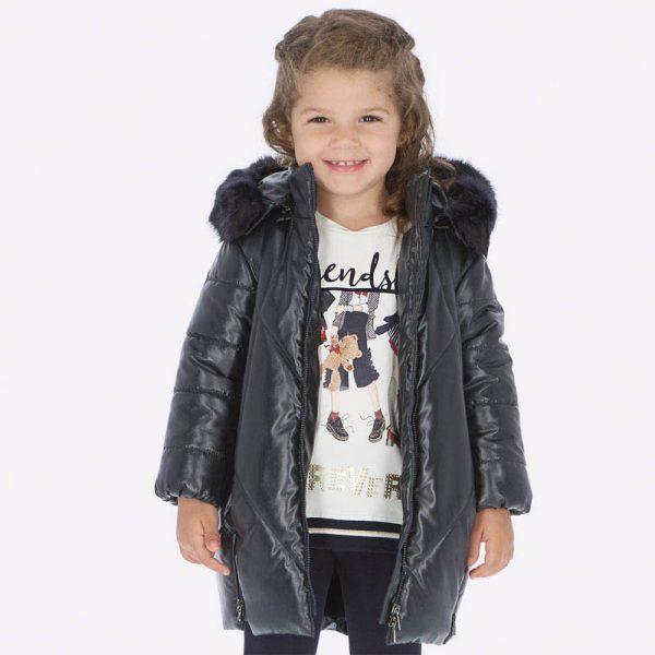 Dievčenská predĺžená lesklá bunda s kapucňou a kožušinou Mayoral tmavomodrá | Welcomebaby.sk