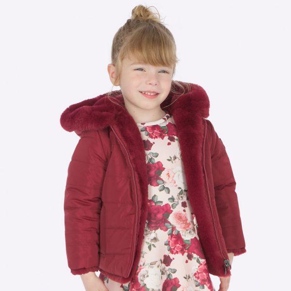 Dievčenská bunda s kapucňou a kožušinou Mayoral bordová | Welcomebaby.sk