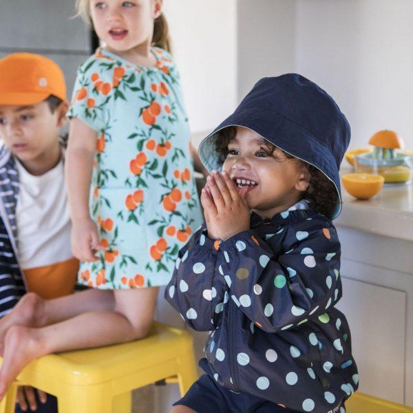 Chlapčenská bodkovaná UV bunda odolná voči vetru Reima Vandmand modrá | Welcomebaby.sk