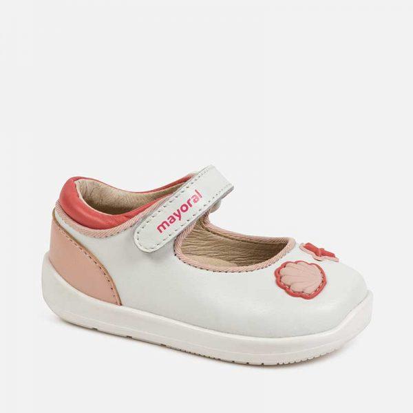 Dievčenské kožené sandále s mušľami Mayoral biele | Welcomebaby.sk