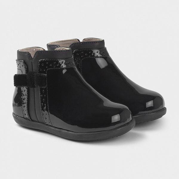 Dievčenské lakované topánky s mašľou Mayoral čierne | Welcomebaby.sk