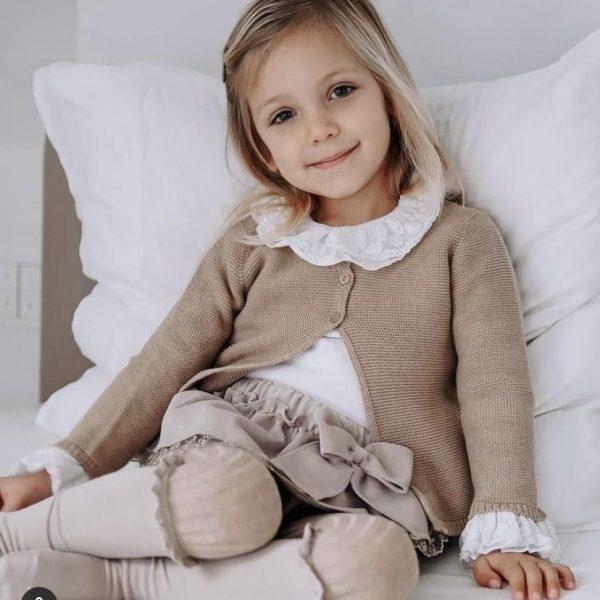 Dievčenské podkolienky s čipkovým lemovaním Cóndor krémové | Welcomebaby.sk