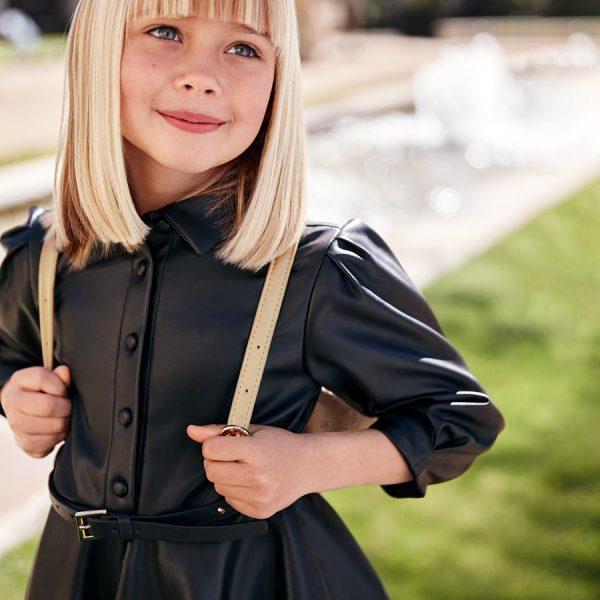 Elegantné čierne koženkové šaty s dlhým rukávom a vybíjaným opasok Abel & Lula